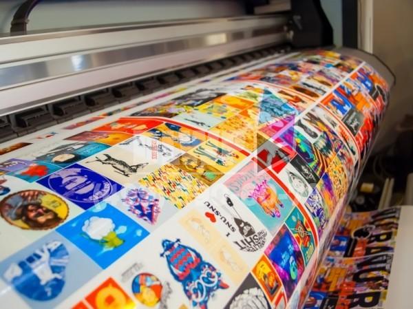 печать наклеек на пленках